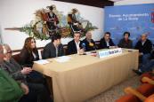 <p><strong>Ayuntamiento y propietarios de puestos del Mercado Central firman un convenio de colaboraci&oacute;n </strong></p>