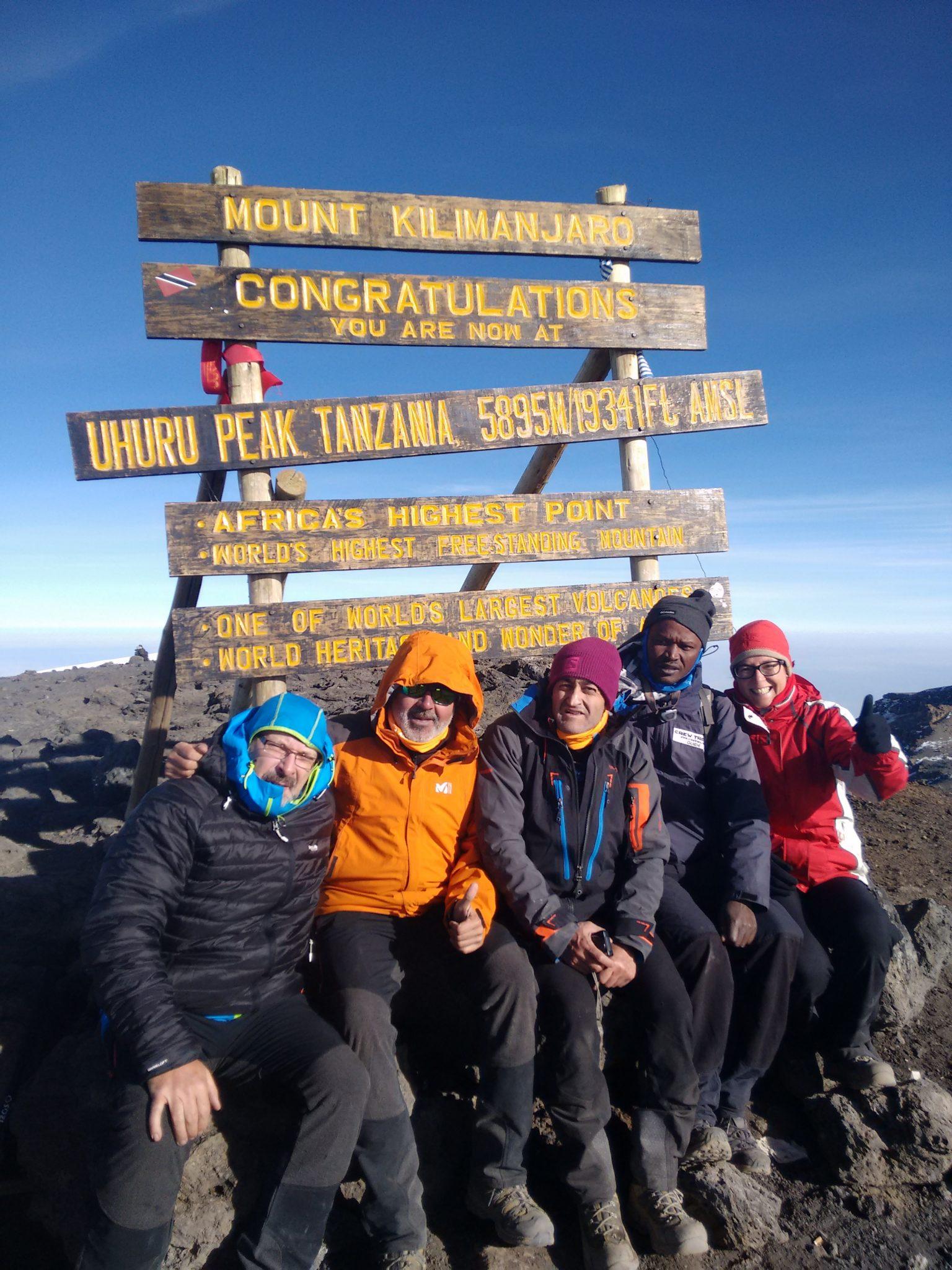 17-cumbre-urhu-peak-5-895-m