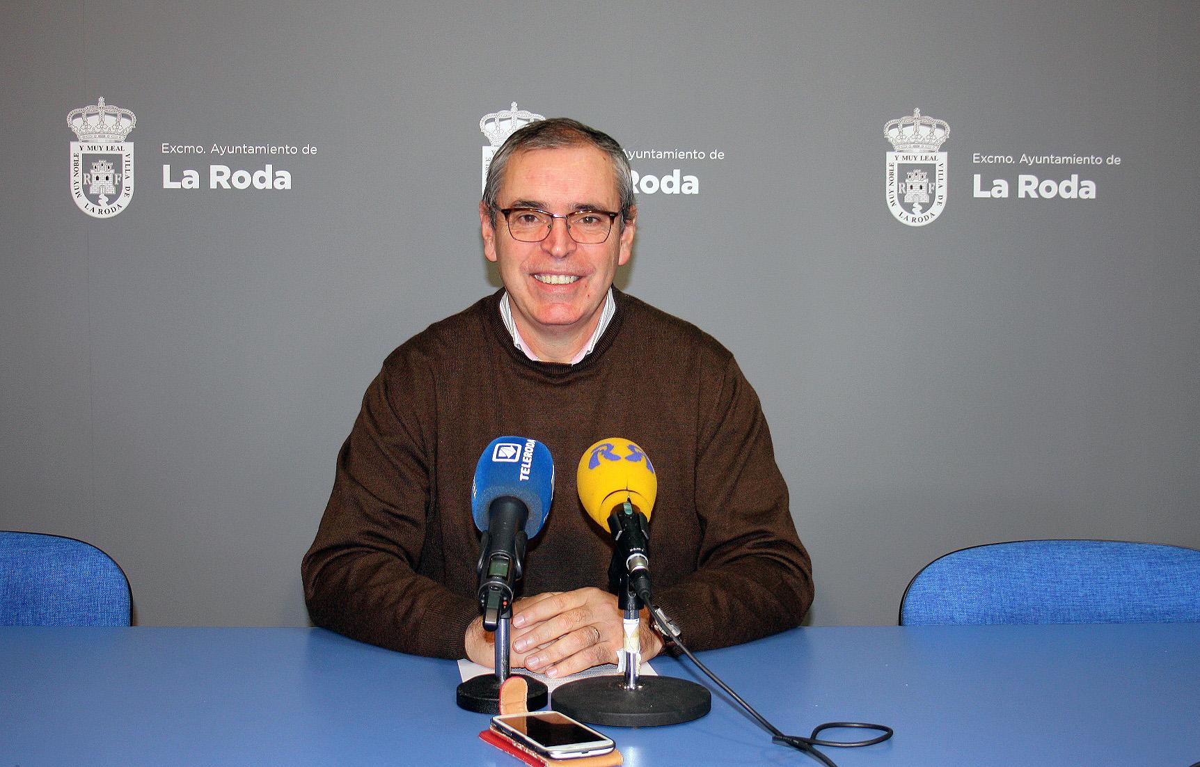 Vicente Aroca, Alcalde De La Roda, Se Mostró Muy Agradecido A La ONCE Por Atender La Solicitud Del Ayuntamiento Rodense