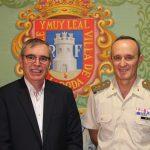 El Subdelegado De Defensa  En Albacete  Presenta Al Alcalde De La Roda La Difusión De La Cultura De Defensa