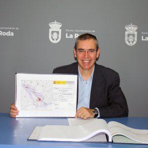 El Alcalde De La Roda Se Reunió Con El Director General De Carreteras Del Ministerio De Fomento