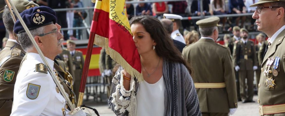 La Roda Acogerá En Noviembre Una Jura De Bandera Civil