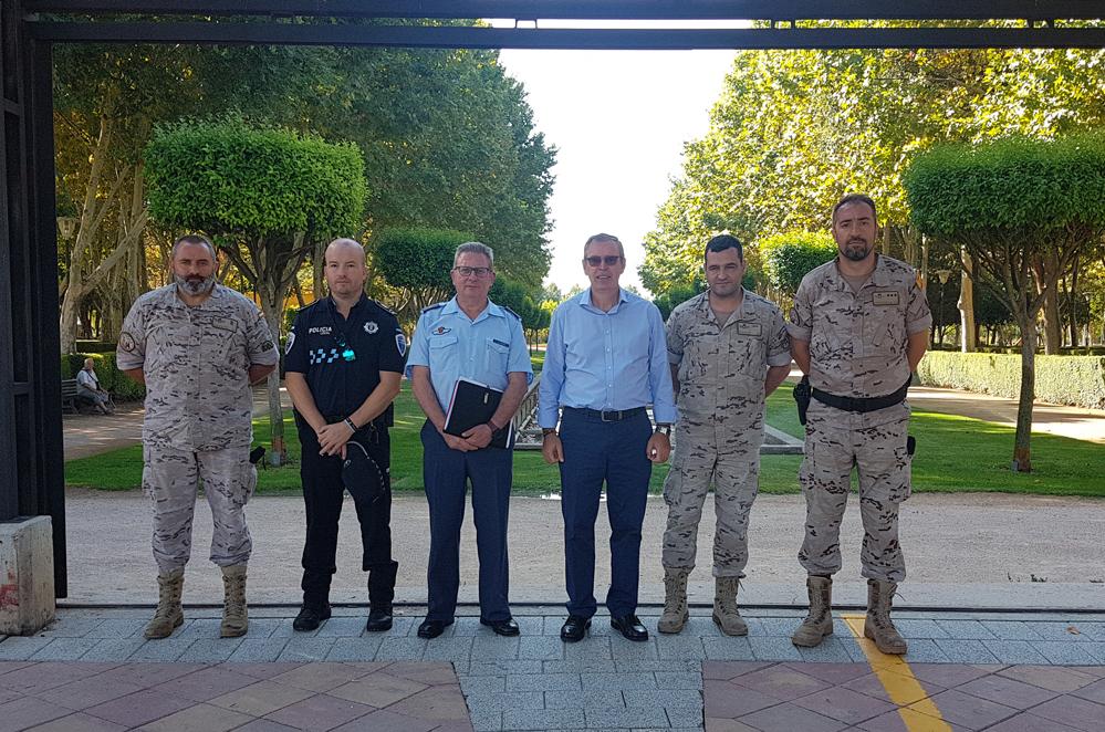 Ayuntamiento Y Base Aérea De Los Llanos Perfilan Detalles Para La Jura De Bandera Civil