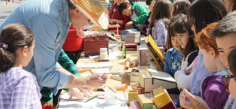 Este Viernes Día 26 Los Libros Salen A La Calle