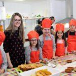 Cerca De Un Centenar De Escolares Participan En Los Talleres De Fritillas Y Disfraces