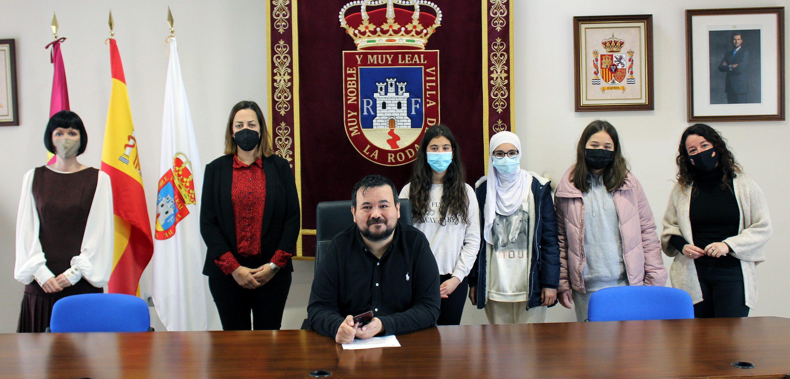 Entregados Los Premios  Del Concurso De Tik Tok De La II Semana De La Mujer